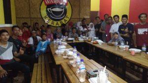 Ketua Badan Pengusaha pemuda pancasila sulsel Buka bersama dengan anak pemulung