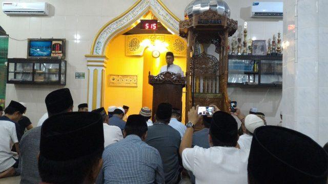 Walikota Makassar, Danny Pumanto saat beri ceramah di Mannuruki, Selasa (5/7/16)